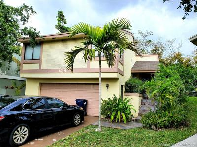Cutler Bay Single Family Home For Sale: 10013 SW 218th St