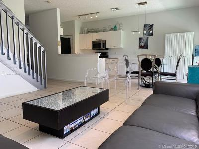 Dania Beach Condo For Sale: 4830 SW 32nd Terr #4830
