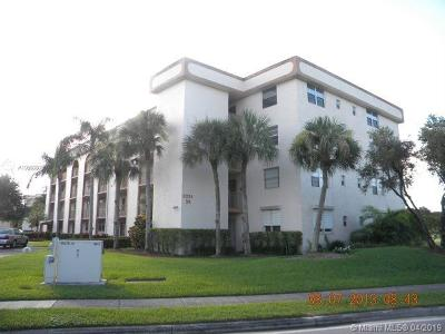Margate Condo For Sale: 3241 Holiday Springs Blvd #210