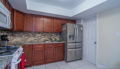 Pembroke Pines Single Family Home For Sale: 8900 NW 23rd St