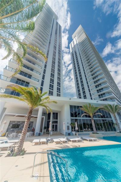North Miami Beach Condo For Sale: 16385 Biscayne Blvd #721