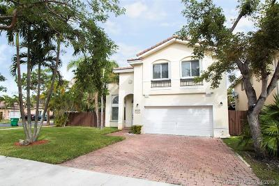 Doral Single Family Home For Sale: 10981 NW 44th Ter