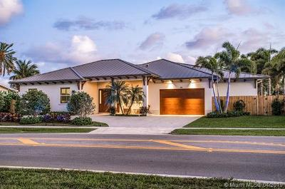 North Palm Beach Single Family Home For Sale: 748 Lighthouse Dr