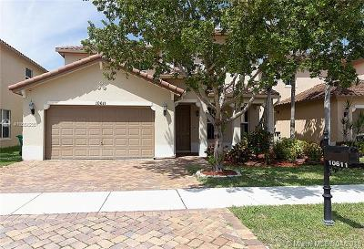 Coral Springs Single Family Home For Sale: 10611 NW 36th St