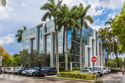North Miami Single Family Home For Sale: 16853 NE 2 Av S102
