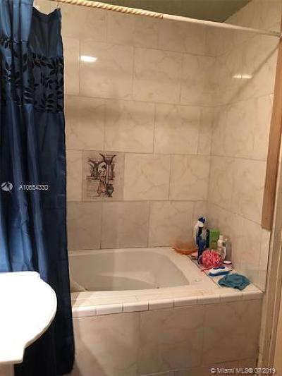 Dania Beach Single Family Home For Sale: 4610 SW 43rd Ter