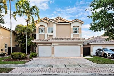 Doral Single Family Home For Sale: 10833 NW 73rd Ter
