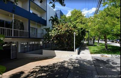North Miami Beach Condo For Sale: 16750 NE 10th #302