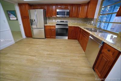 Hollywood Single Family Home For Sale: 5005 Van Buren St