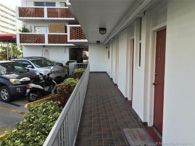 North Miami Beach Condo For Sale: 3660 NE 166th St #112