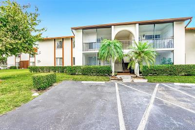 West Palm Beach Condo For Sale: 4759 Sable Pine Cir #A2