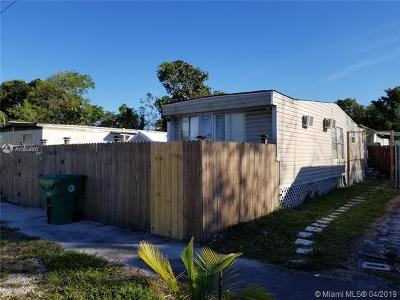 Davie Single Family Home For Sale: 13430 SW 7th Pl
