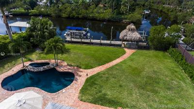 Jupiter Single Family Home For Sale: 8438 SE Merritt W