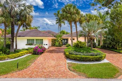 Coral Gables Single Family Home For Sale: 7161 E Lago Dr