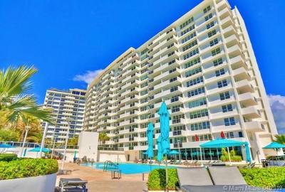 Miami Beach Condo For Sale: 100 Lincoln Rd #323