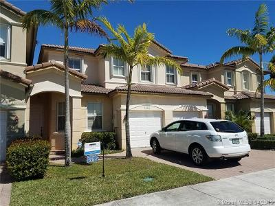 Doral Single Family Home For Sale: 11375 NW 77 Lane