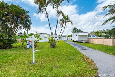 Dania Beach Single Family Home For Sale: 4433 SW 34th Ter
