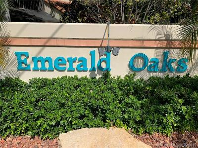 Hollywood Condo For Sale: 3402 Emerald Oaks Dr #802
