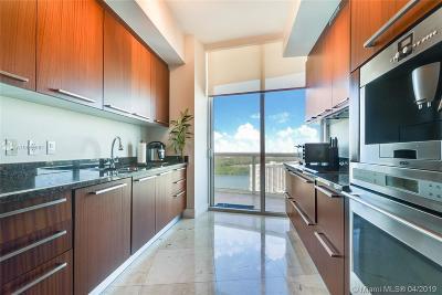 Sunny Isles Beach Condo For Sale: 15901 Collins Ave #2805