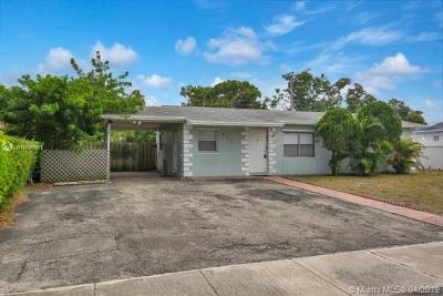 Deerfield Beach Single Family Home For Sale: 730 SW 11th Ct