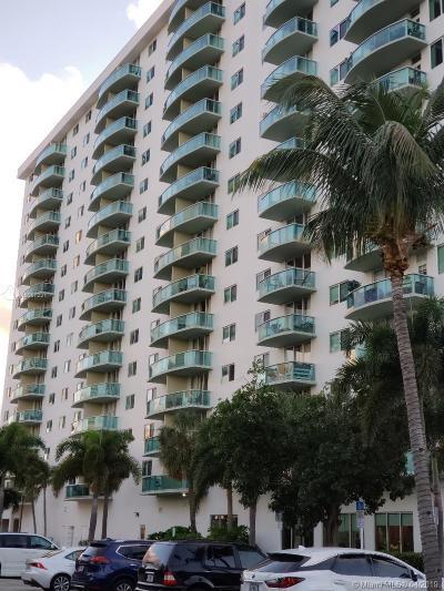 Sunny Isles Beach Condo For Sale: 19380 Collins Ave #227