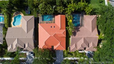 Broward County Single Family Home For Sale: 740 Crystal Ct
