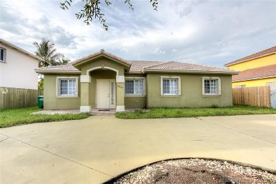 Miami Lakes Single Family Home For Sale: 9041 NW 166th Ter