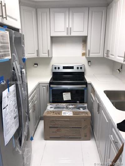 North Miami Condo For Sale: 13480 NE 6th Ave #113