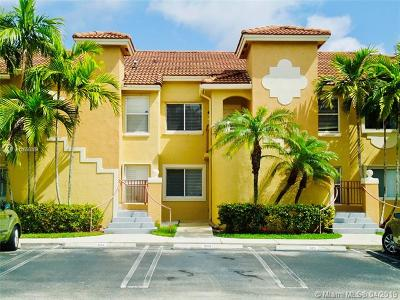 Pembroke Pines Condo For Sale: 7851 NW 6th St #105