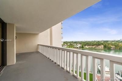 Miami Beach Condo For Sale: 5500 Collins Ave #901
