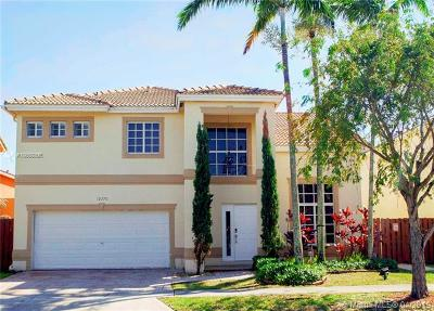 Doral Single Family Home For Sale: 10770 NW 52nd St