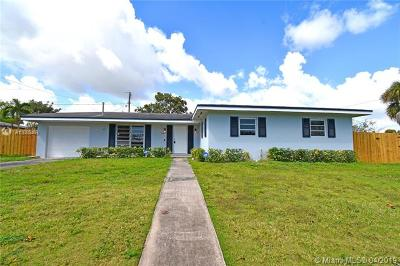Miami-Dade County Single Family Home For Sale: 16002 SW 98th Ave