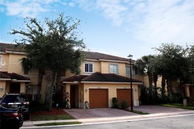 Oakland Park Condo For Sale: 3254 NW 32nd Ter