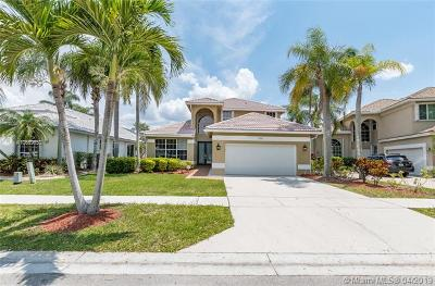 Pembroke Pines FL Single Family Home For Sale: $468,000