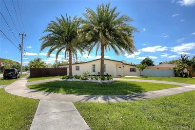 Cutler Bay Single Family Home For Sale: 18601 Belview Dr
