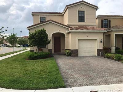 Miami Single Family Home For Sale: 821 NE 191st St