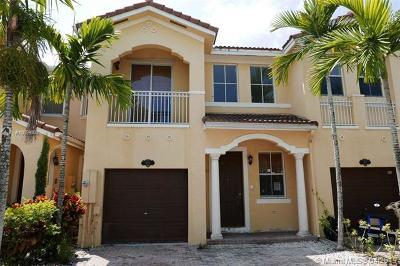 Miami-Dade County Condo For Sale: 966 SW 151st Pl #966