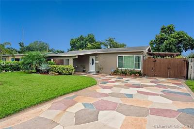 Hollywood Single Family Home For Sale: 6452 Custer St