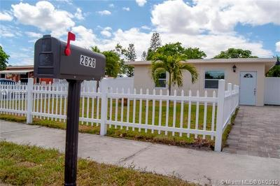 Pompano Beach Single Family Home For Sale: 2626 NW 6th Ct