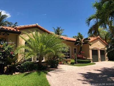 Miami Lakes Single Family Home For Sale: 8023 NW 161st Ter