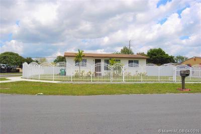 Miami Gardens Single Family Home For Sale: 2981 NW 159 Street