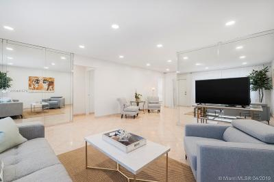 Hollywood Single Family Home For Sale: 930 Johnson St