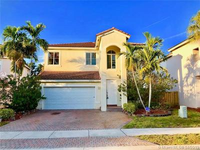 Pembroke Pines Single Family Home For Sale: 7715 NW 23rd St