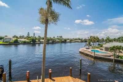 Boynton Beach Condo For Sale: 3071 Waterside Cir