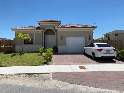 Miami-Dade County Single Family Home For Sale: 27607 SW 133rd Pl
