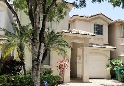 Miami-Dade County Single Family Home For Sale: 11215 NW 73rd Ter
