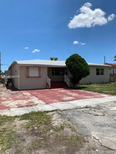Hialeah Single Family Home For Sale: 5741 W 3rd Ct