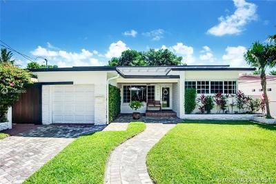 Surfside Single Family Home For Sale: 9333 Dickens Ave