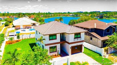 Lauderhill Single Family Home For Sale: 4850 NW 73rd Ave