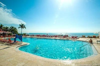 Sunny Isles Beach Condo For Sale: 19201 Collins Ave #448